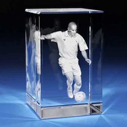 Imagen 3D del ex jugador de fútbol Zinedine Zidane en taco cristal grabada con HSGP-Crystal